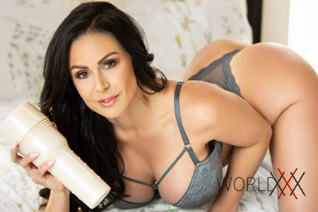 Kendra Lust – новая Fleshlight Girl