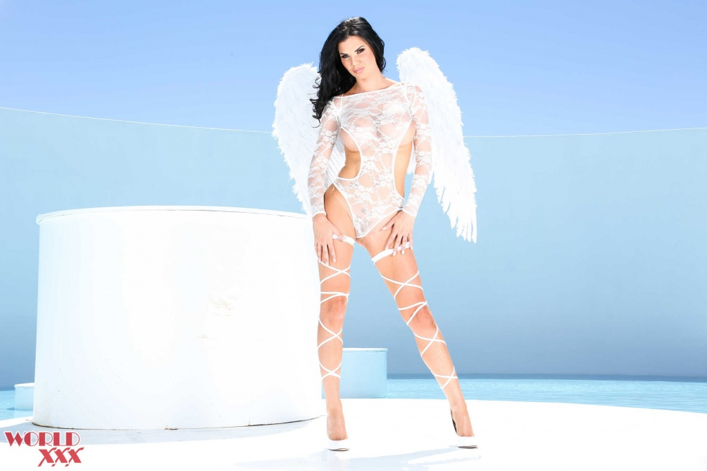 Jasmine Jae Angel first anal scene (1).jpg