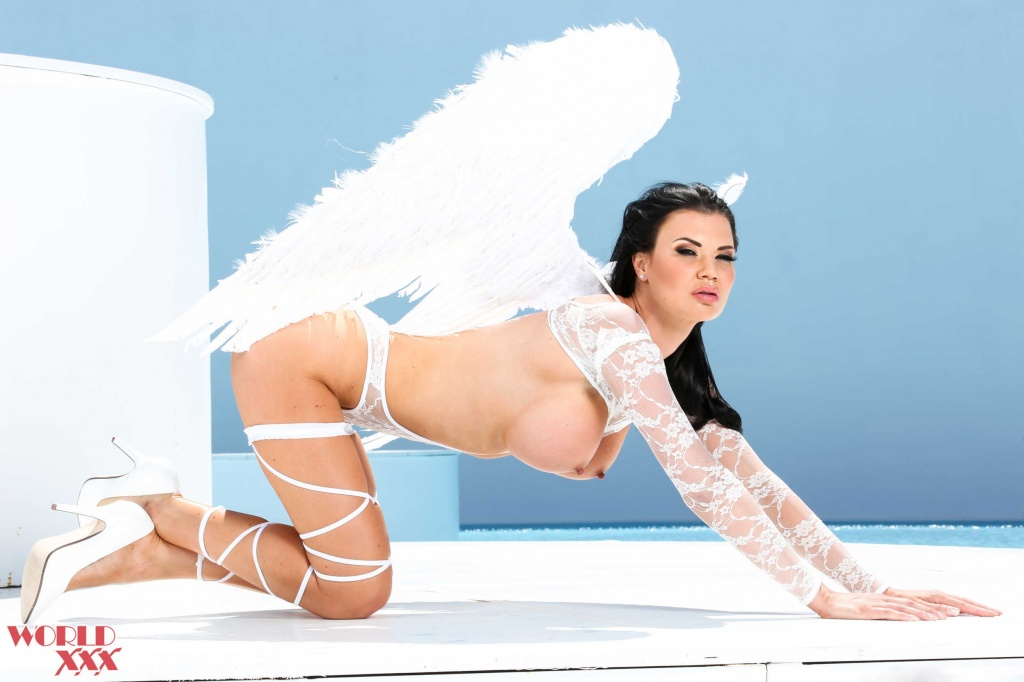 Jasmine Jae Angel first anal scene (8).jpg