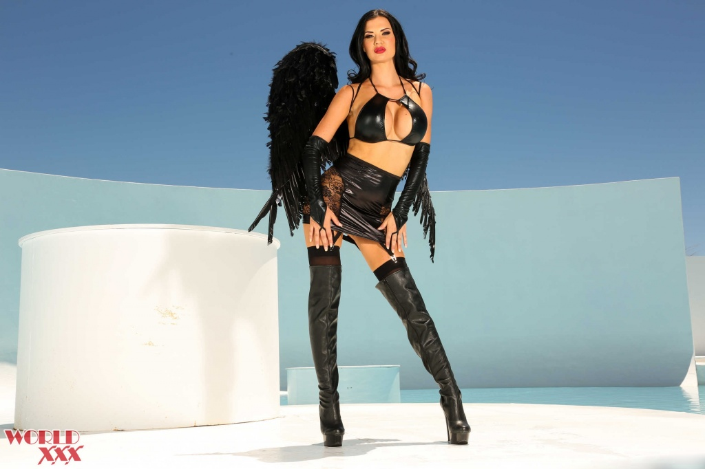Jasmine Jae Angel first anal scene (6).jpg